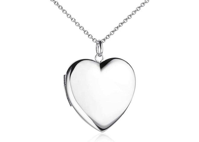 31-silver-locket