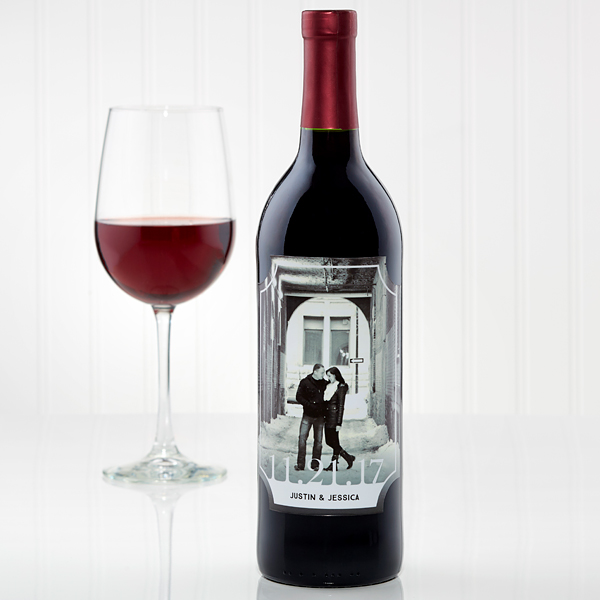 Black and white wine label with photo of couple