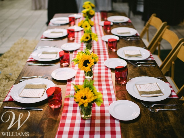 Styling via Williams Party Rentals.