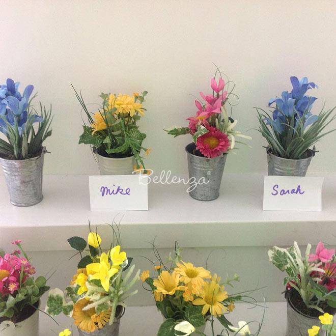Spring flower place card holder favors